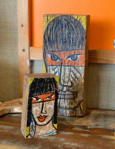 אומנות עבודת יד מברזיל דמות על עץ