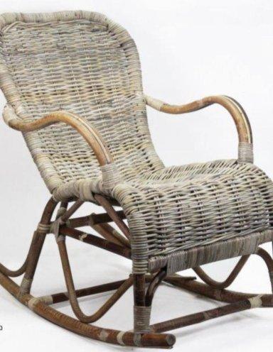 כורסא מתנדנדת במבוק