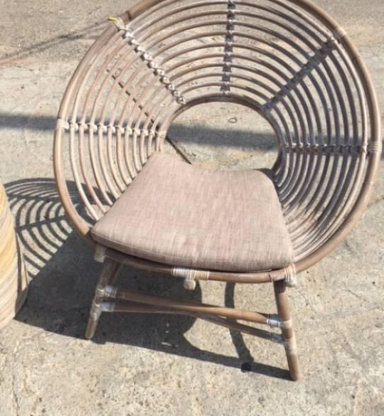 רהיטי במבוק ועץ טיק