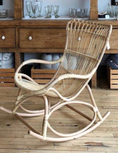 כסא נדנדה מראטן טבעי